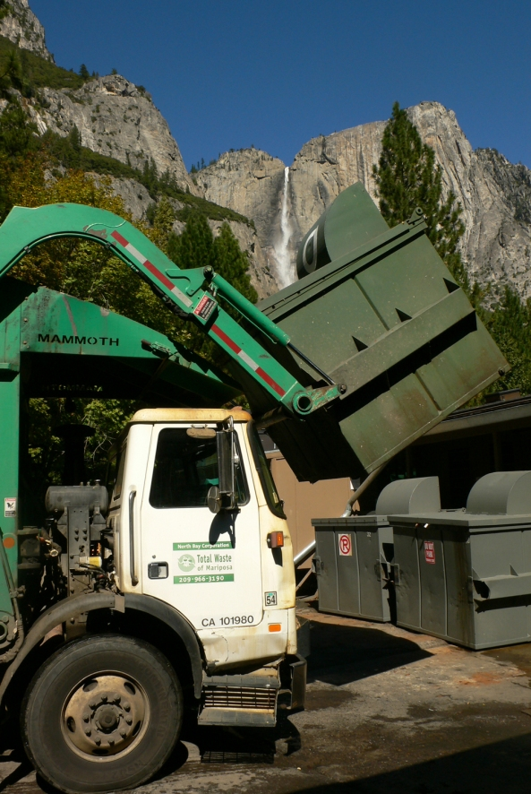 mariposa_county_garbage_truck